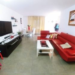 Mishkafayim-3-Bedroom-Apt-for-Sale-3