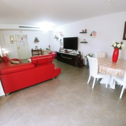 Mishkafayim-3-Bedroom-Apt-for-Sale-4