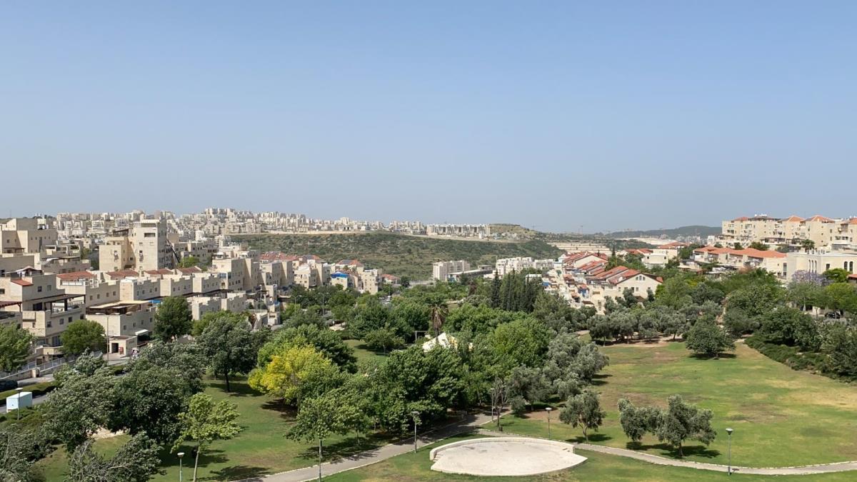 Ramat Beit Shemesh Gimmel: Corner Nachal Sorek & Nachal Refaim